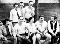 Сидят (слева-направо) : Ж. Молдабаев, М. Переяславец, М. Пионтковская, А. Руковишников, С. Казанцев. Стоят: Б. Исынгильдыев (крайний слева), И. Новиков (крайний справа).